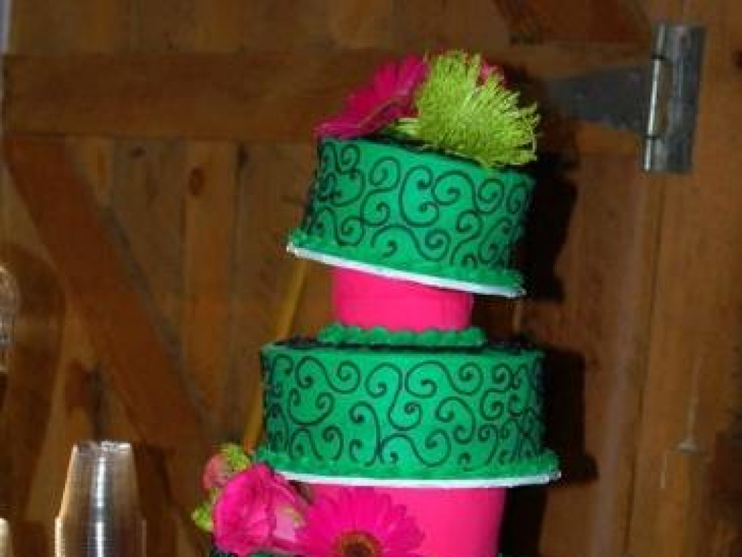 See the Cakes on Display at Creative Cakes